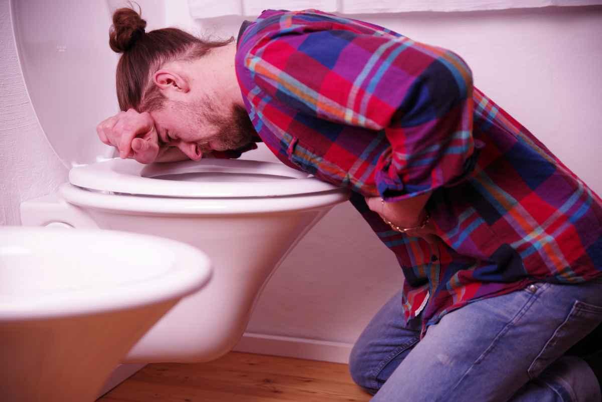 kräkningar feber ledvärk